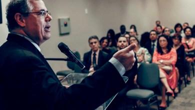 Photo of Presidente da OAB-Bahia propõe união de poderes para solucionar crise da Justiça