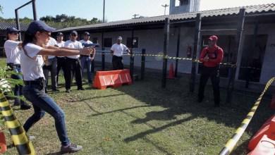 Photo of Mais duas turmas de novos policiais treinam tiros e abordagem