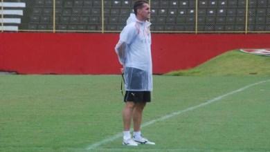 Photo of Escudero treina e pode reforçar o Vitória contra o ABC nesta sexta