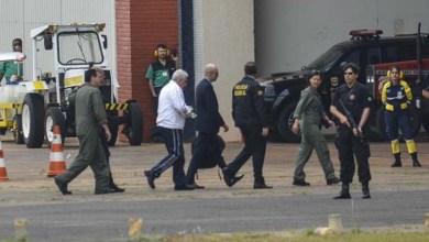 Photo of No Brasil, Henrique Pizzolato deixa o IML e segue para a Penitenciária da Papuda