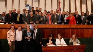 Photo of Deputados estaduais aprovam três projetos do Executivo em sessão de 36 horas