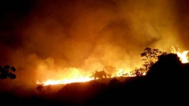 Photo of Fogo toma proporções gigantescas e consome o Parque Nacional da Chapada Diamantina