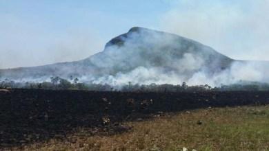 Photo of Brasil: Incêndio também atinge a Chapada dos Veadeiros; visitação é suspensa