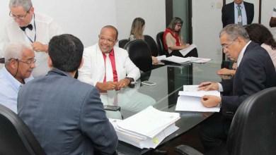 Photo of CCJ da Câmara de Salvador aprova a relatoria de Suíca que cria Conselho de Juventude