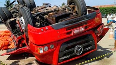 Photo of Jacobina: Acidente na BR-324 mata caminhoneiro que levava um carga de cebola para Juazeiro
