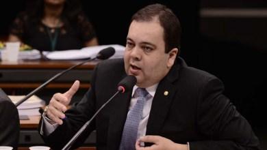 Photo of Deputado federal do DEM diz que 'faltou coragem' ao prefeito ACM Neto para disputar governo