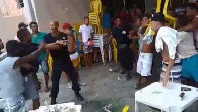 Photo of Bahia: Festa na praça acaba em pancadaria no município de Livramento