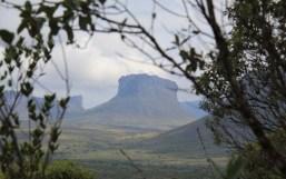 8 - A vista do Morrão no início da trilha da Cachoeira da Fumaça foto A Viajadora