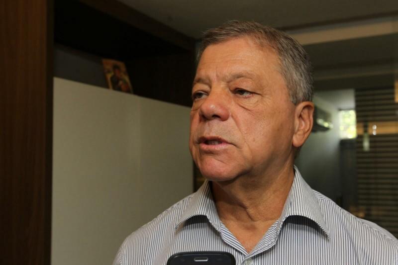 Chapada: Ex-prefeito de Utinga Alberto Muniz agride político com socos e pontapés