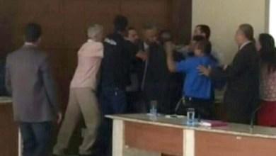Photo of Chapada: Vereadores do município de Jacobina se agridem durante sessão; veja vídeo