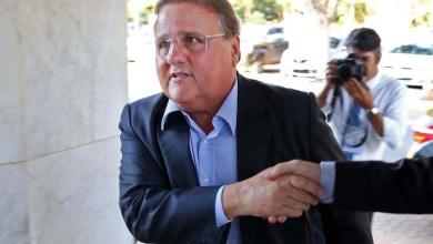 Photo of Vídeo: Ministro interino, Geddel é chamado de golpista e vaiado ao desembarcar em Salvador