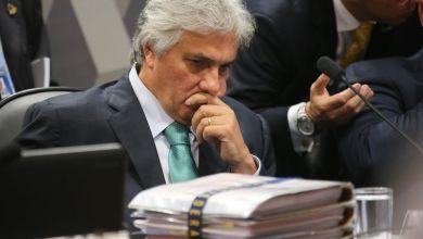 Photo of Delcídio do Amaral pode voltar à prisão por ter violado medidas cautelares