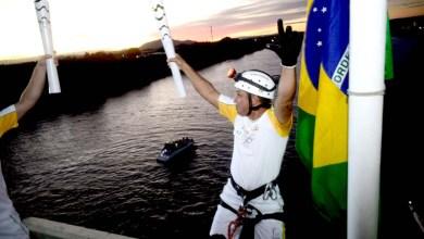 Photo of Tocha Olímpica encerra passagem pela Bahia em Paulo Afonso