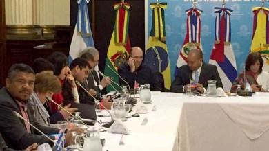 Photo of Valmir denuncia golpe no Brasil com parlamentares durante evento na Argentina