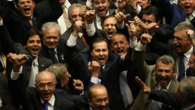 Photo of Deputados federais articulam aprovar anistia que poderia blindar punições da Lava Jato