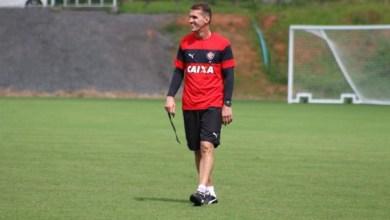 Photo of Técnico do Vitória relaciona 18 jogadores para duelo com o Coritiba