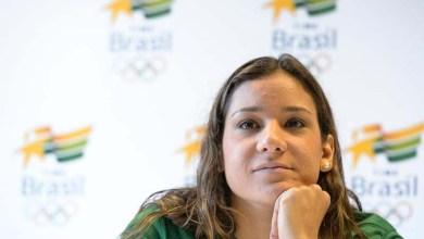 Photo of Nadadora Joanna Maranhão diz que vai processar quem a atacou no Facebook