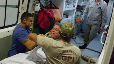 Photo of #Brasil: Garotinho é transferido para Complexo de Bangu e dá chilique para entrar em ambulância