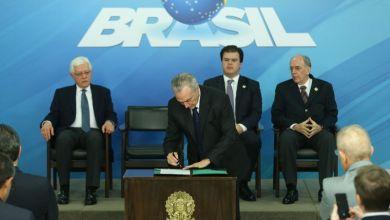 Photo of Presidente sanciona lei que retira obrigatoriedade da Petrobras explorar pré-sal