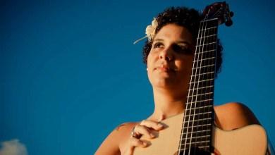 Photo of #Salvador: Cantora Cris Mendez realiza apresentação no Rio Vermelho