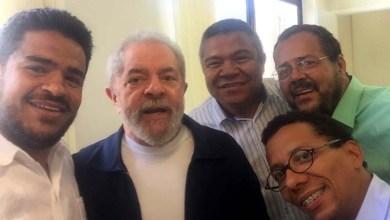 Photo of Políticos baianos debatem reformulação do PT com Lula e traçam estratégias para o país