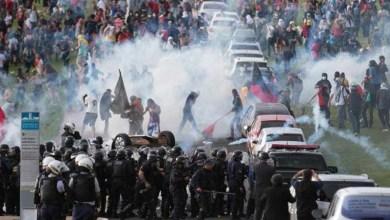 Photo of #Brasil: Manifestação contra PEC 55 acaba em tumulto em Brasília; confira fotos