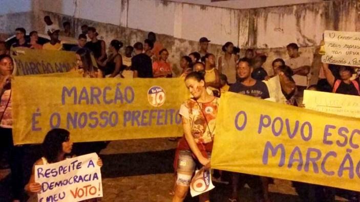População vai às ruas e clama por Marcão prefeito de Lençóis - FOTO Divulgação 2