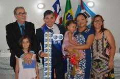 João Lúcio e o ex-prefeito Wilson Cardoso com familiares | FOTO: Cezar Romero Silva |