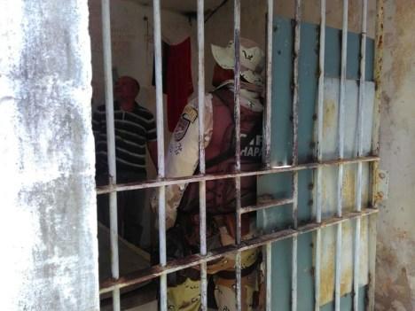 Revista na carceragem de Brotas de Macaúbas - FOTO- Divulgação1