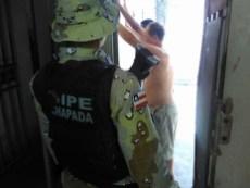 Revista na carceragem de Brotas de Macaúbas - FOTO- Divulgação2