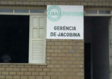 Incêndio atingiu prédio da ADAB em Jacobina, na Bahia - FOTO - Divulgação-Corpo de Bombeiros
