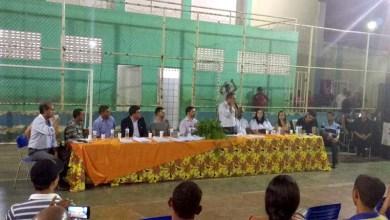 Photo of Chapada: Prefeito de Utinga reúne servidores para discutir situação financeira do município