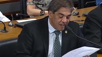 Photo of Senador Hélio José deixa dentadura cair durante leitura na Comissão no Senado; veja o vídeo