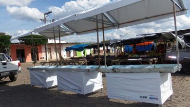Photo of Chapada: Feirantes de Tapiramutá recebem barracas padronizadas do governo estadual