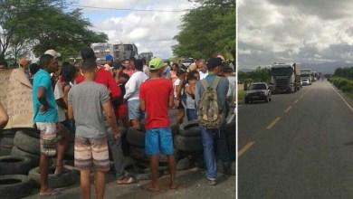 Photo of Chapada: Moradores de povoado em Jacobina fecham rodovia em protesto