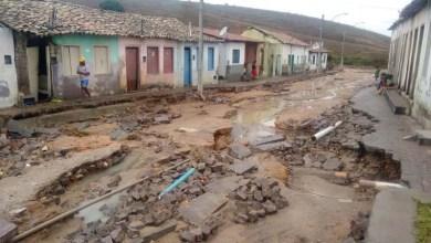 Photo of Chuvas aliviam estiagem prolongada na Chapada e colocam Lajedinho em alerta; veja fotos e vídeos