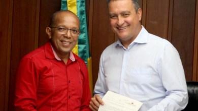 Photo of #Salvador: Vereador entrega ao governador Rui Costa levantamento de empresas caloteiras