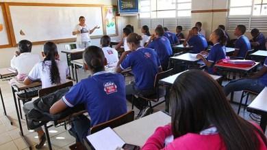 Photo of Rui Costa anuncia nomeação de professores aprovados em concurso e tabela de pagamento de servidores