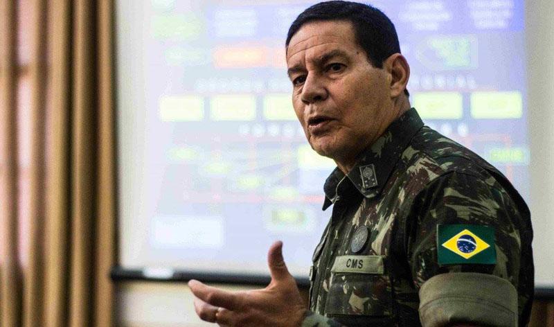 General Mourão diz que processará Geraldo Azevedo que o chamou de torturador