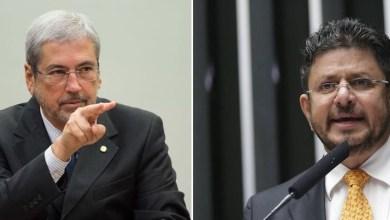 """Photo of #Polêmica: Deputado federal do PMDB xinga ministro de Temer em cerimônia: """"Seu merda"""""""