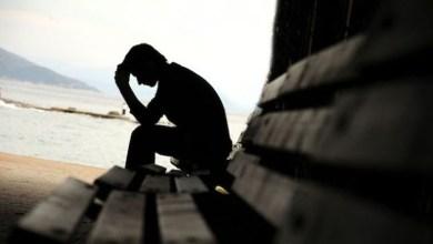Photo of Crise econômica, desemprego e preconceito aumentam o risco de suicídio, diz Ipea