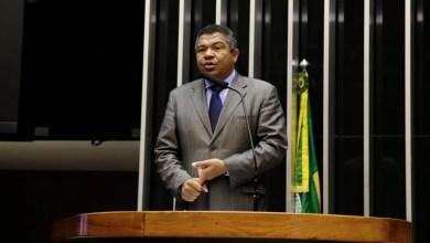 """Photo of """"Bolsonaro só promete e não garante emprego para o povo brasileiro"""", dispara Valmir"""