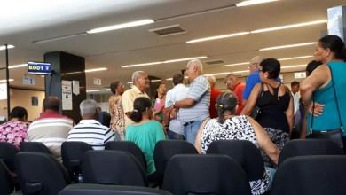 Photo of #Salvador: Salário menor que o mínimo e cobranças de taxas motivam protesto de aposentados