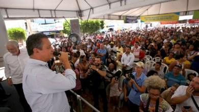 Photo of Chapada: Prefeito de Itaetê mostra força política e coloca multidão para recepcionar governador; veja fotos