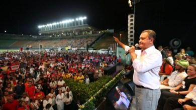 """Photo of #FSM2018: """"Outro mundo é possível"""", diz Rui Costa durante ato em defesa da democracia"""