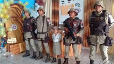 Photo of Chapada: Policiais militares participam de aniversário de criança de seis anos em Abaíra