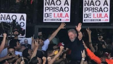 Photo of #Vídeo: Lula foi impedido de sair do sindicato em SP para se apresentar; senadora tenta dialogar
