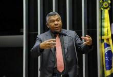"""Photo of Valmir vota contra projeto de Bolsonaro e diz que """"privatizar a água vai aumentar desigualdade"""""""