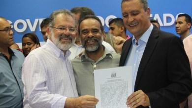 Photo of Chapada: Prefeito de Utinga assina convênio com governo para pavimentar ruas do bairro Liberdade