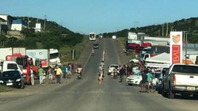 Photo of #Bahia: Caminhoneiros realizam manifestação com caminhada e devem parar município de Ipirá